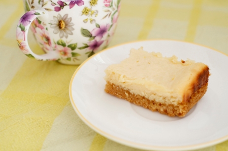 lemon slice with a cup of tea