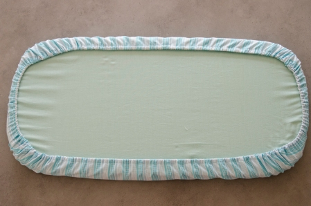 matching bassinet mattress and fitted sheet